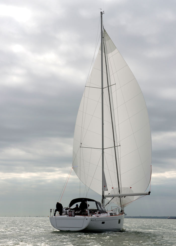 Elvstrom Sails Blue Water Runner downwind